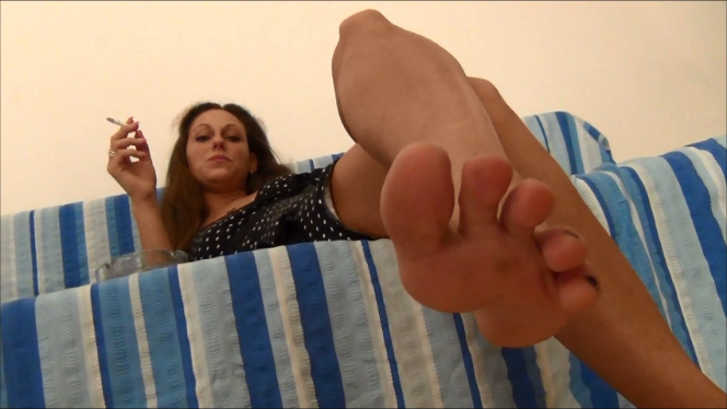 Nausika – Foot Fetish and Smoking POV