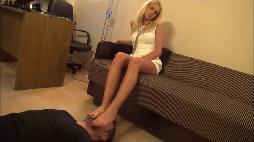 ZOE – Using My Slave's Face As A Footstool – NEW MISTRESS!!!