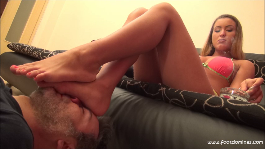 ARIEL – Face As Footstool And Smoking In Bikini PART2