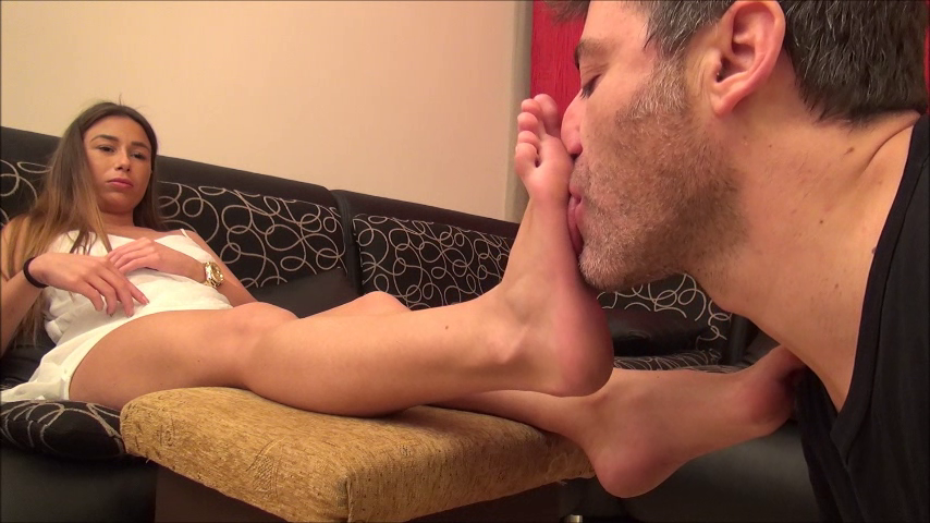 LORETTA – Worship My Sexy Feet! (POV) PART1