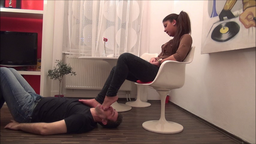 JULIANA – Under My Feet – PART1