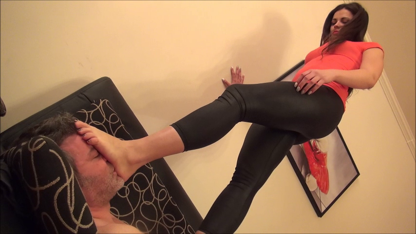 CAROLINA – Trampling And Foot Domination