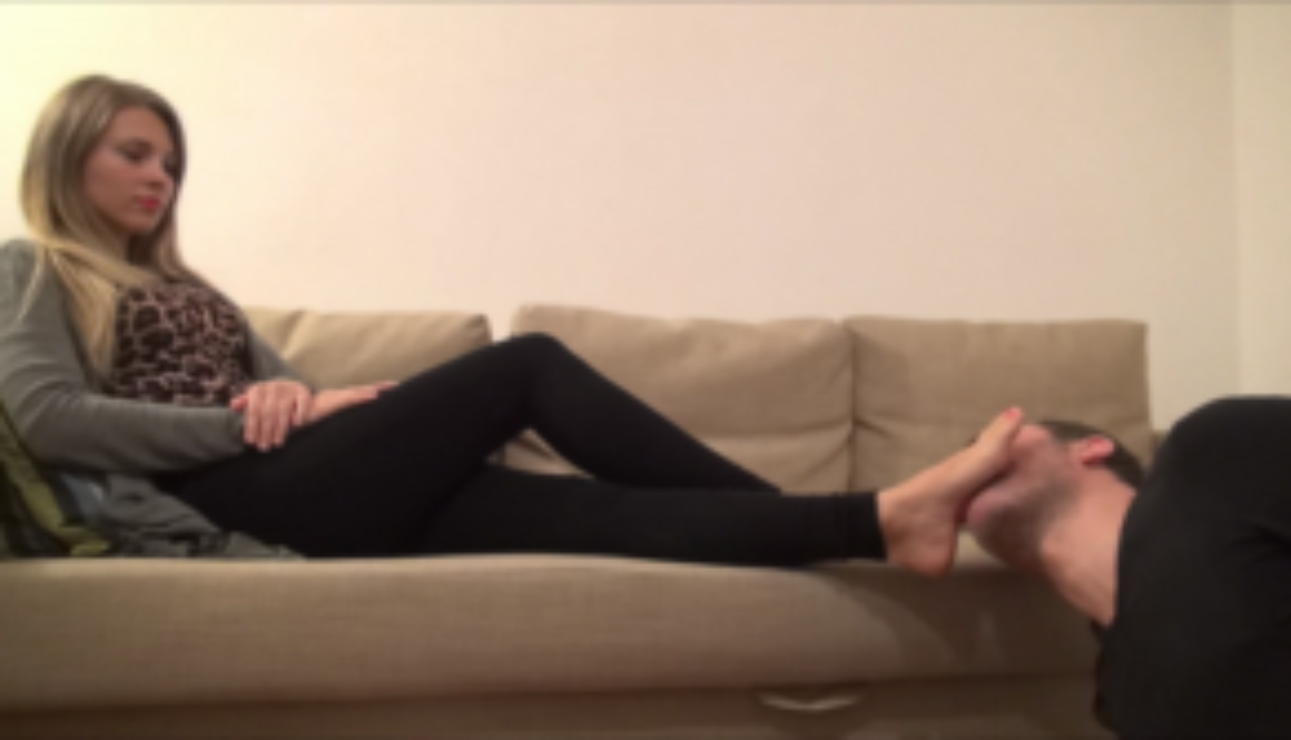 GABRIELLA – Casual Afternoon – Foot Worship PART1