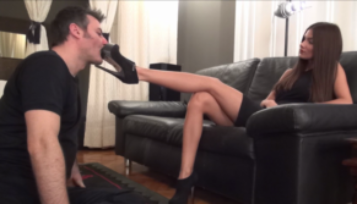 EVIKE – Before Party – Lick My Shoes Clean For The Party!