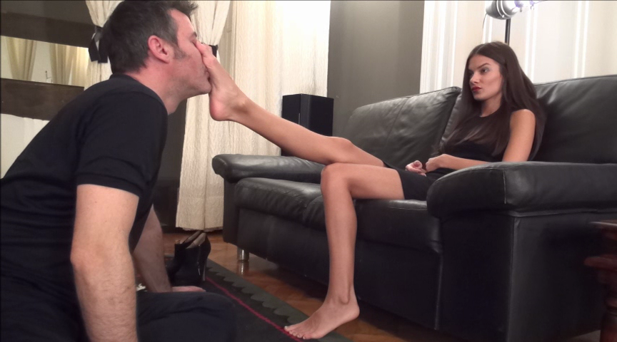 EVIKE – Before The Party – Worship My Feet, Footbitch!