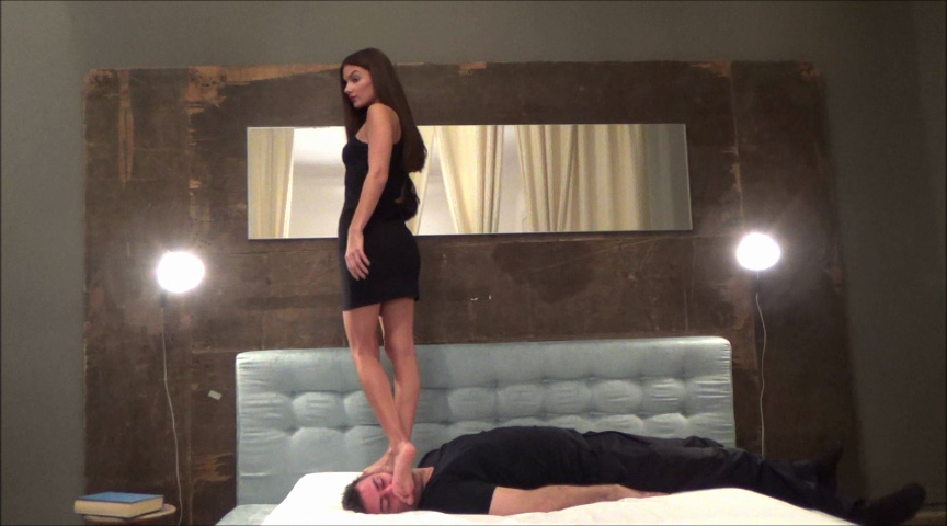 EVIKE – Before The Party – EXTREME Trampling And Facestanding (Mostly) PART2