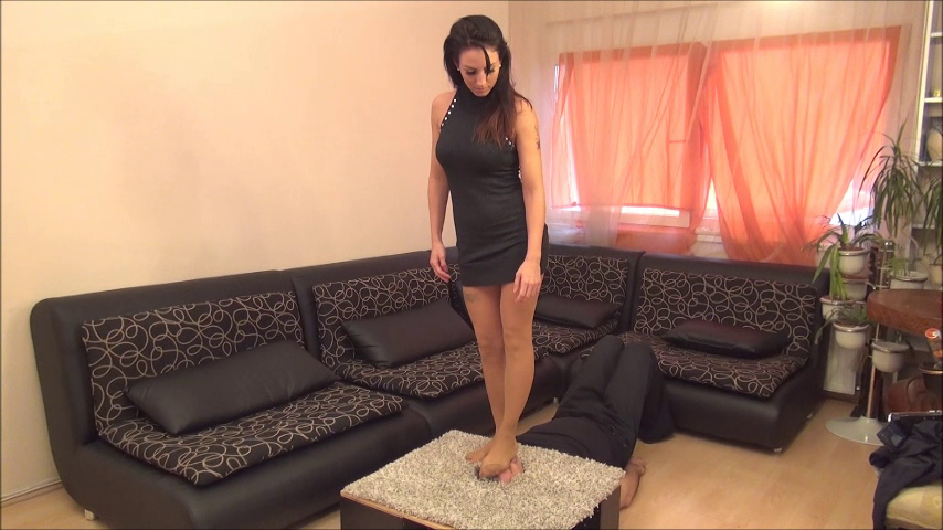 OLIVIA – Checkpoint – BRUTAL Facetrampling, Facestomping And Footdom In Skin Color Pantyhose (Facebox) PART1